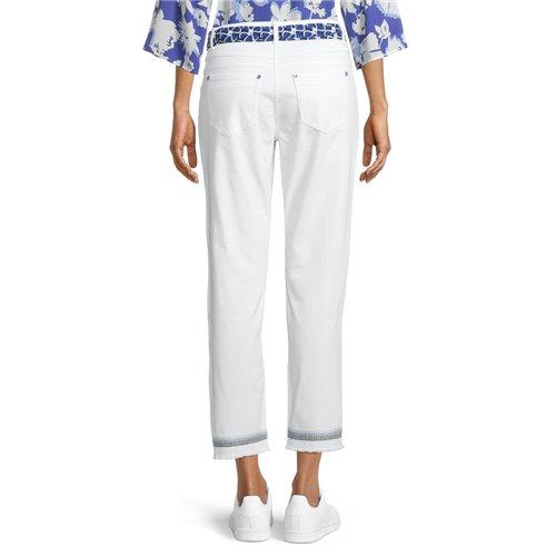 Białe spodnie z wiązaniem Betty Barclay